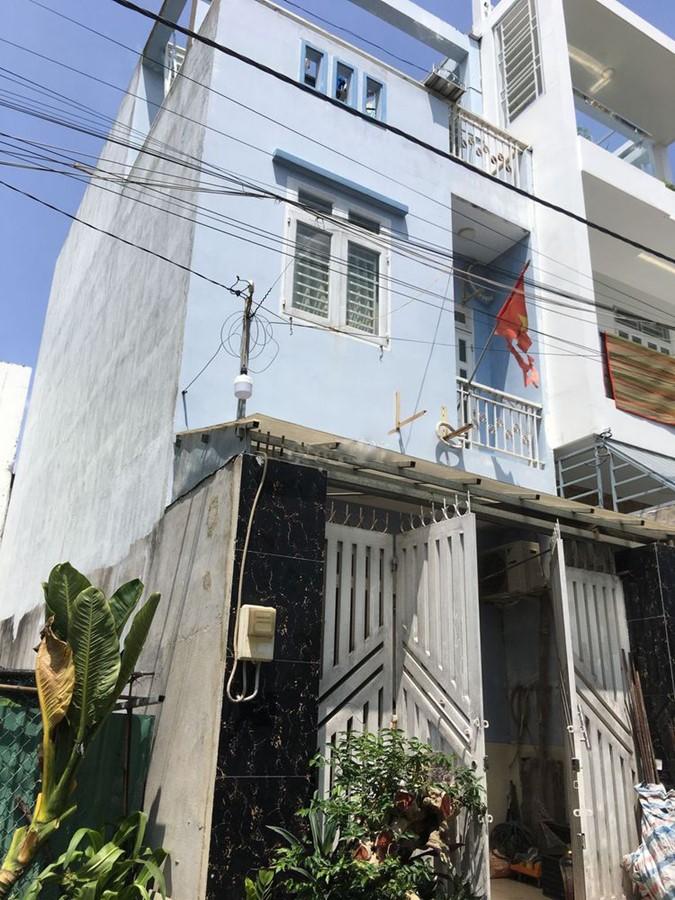 Cần bán gấp căn nhà 1 trệt 1 lầu 1 tum hẻm 47 đường trường lưu quận 9