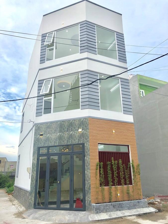 Bán nhà 2 mặt tiền đường Lã Xuân Oai phường Long Trường Quận 9
