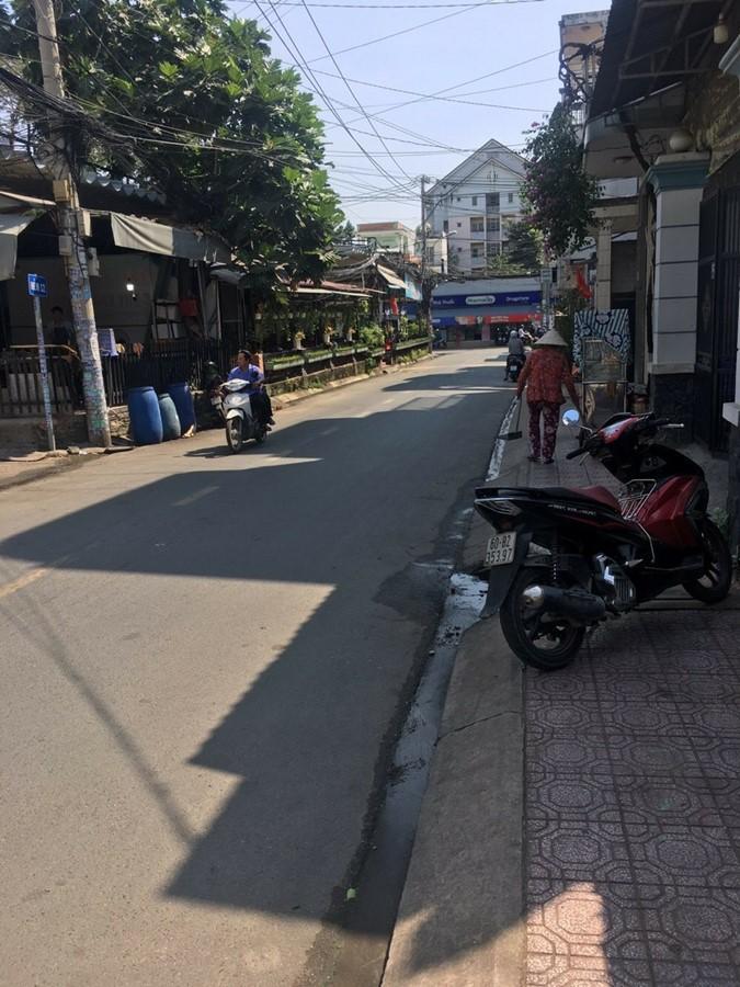 Bán đất đường 109 Phường Phước Long B Quận 9.
