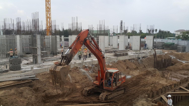 Các Block Ehome S Mizuki thi công xong phần sàn tầng 1 và đang thi công phần kết cấu tầng trệt. Ảnh: Nam Long HCM